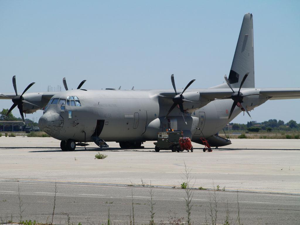 "Il C-130J-30 ""46-54"" (foto di Leonardo Ferrazzi)"