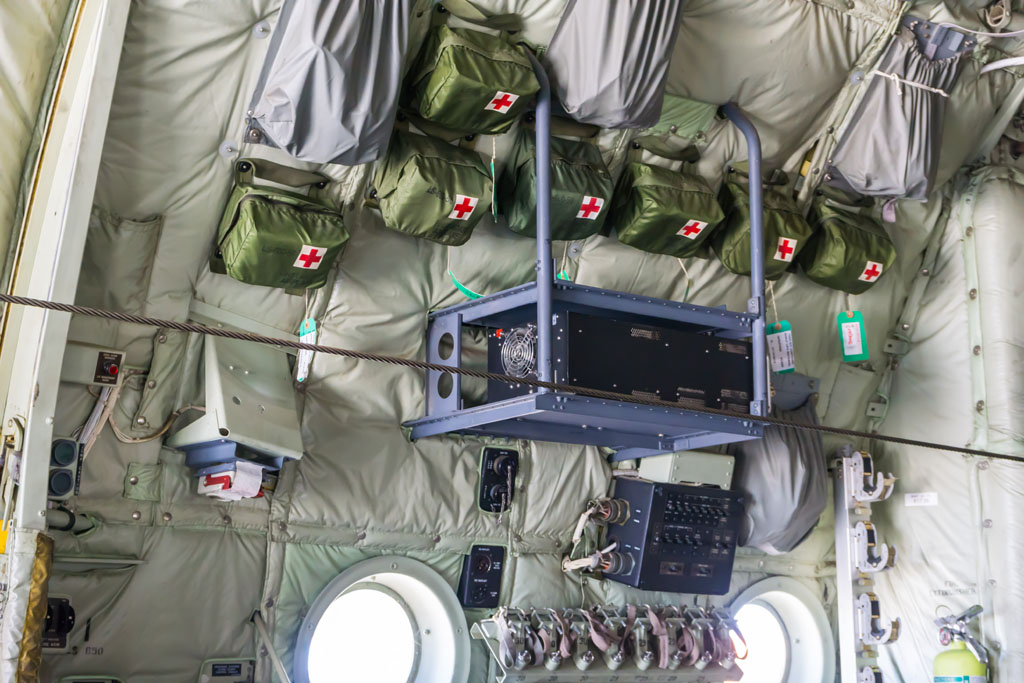 Il trasformatore di tensione e frequenza installato sul C-130J (foto Lorenzo Spinelli)