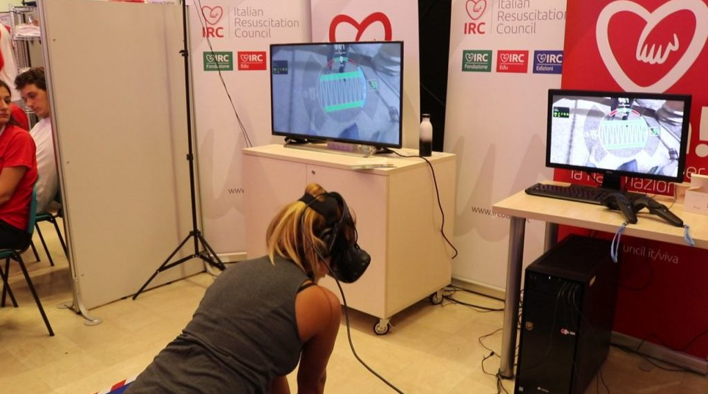 ITALIANO – VR CPR: il videogioco che insegna a salvare vite. Non solo insegnamento ma anche retraining.